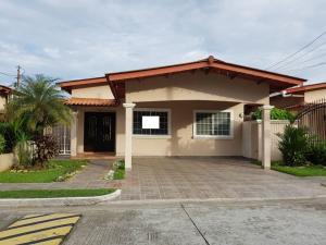Casa En Ventaen Panama, Brisas Del Golf, Panama, PA RAH: 18-305