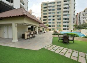 Apartamento En Alquileren Panama, Condado Del Rey, Panama, PA RAH: 18-330