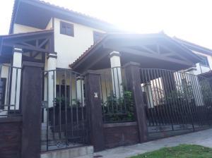 Casa En Ventaen Panama, Las Cumbres, Panama, PA RAH: 18-767