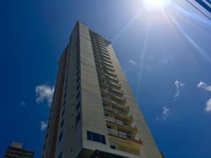 Apartamento En Alquileren Panama, San Francisco, Panama, PA RAH: 18-978