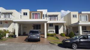 Casa En Alquileren Panama, Brisas Del Golf, Panama, PA RAH: 18-1077