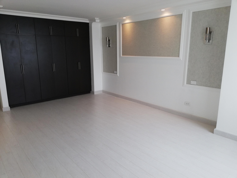 Apartamento En Venta En Panama En Paitilla - Código: 19-8231