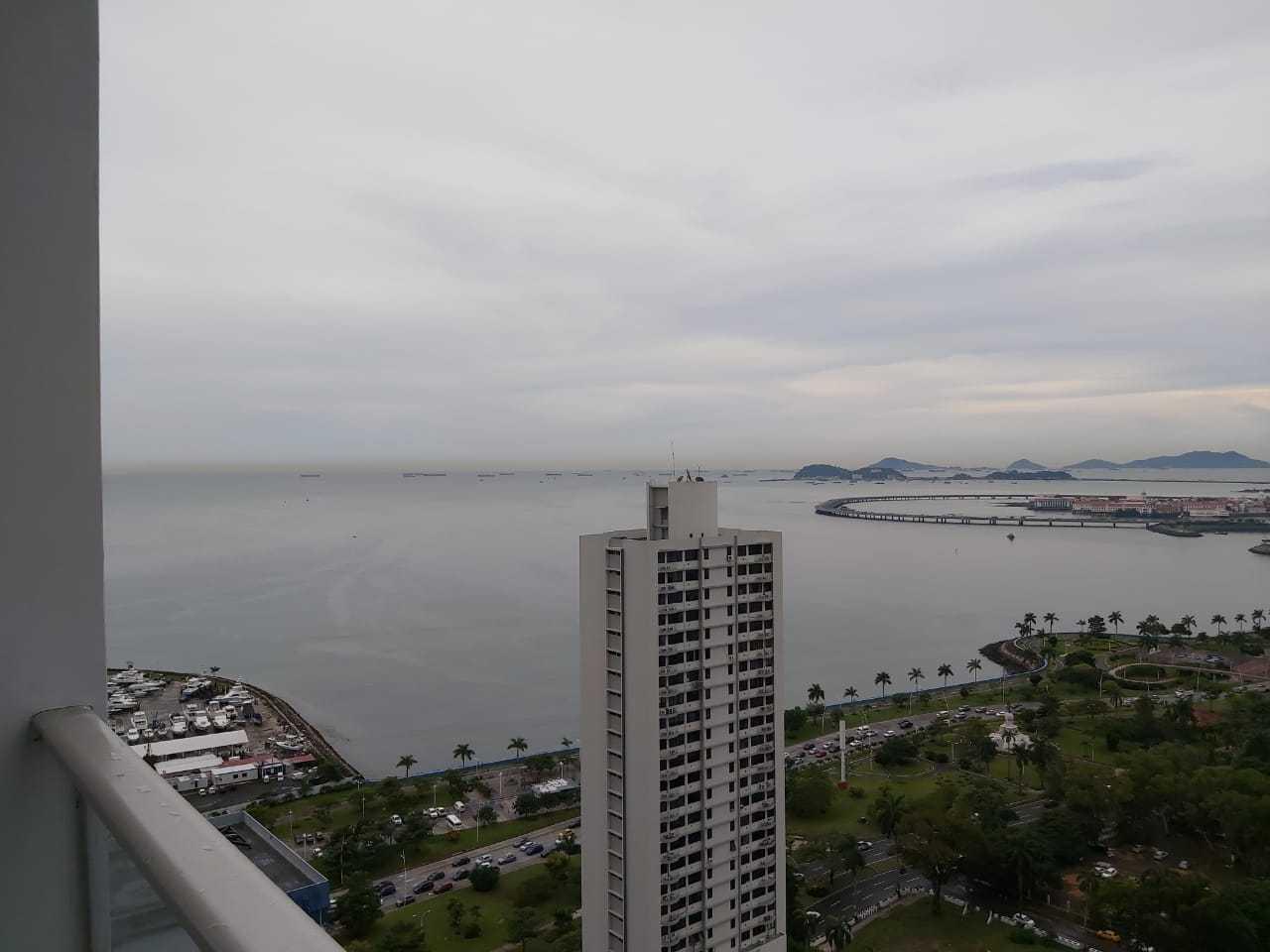 Apartamento En Alquiler En Panama En Bellavista - Código: 19-10051