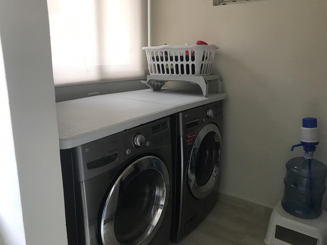Apartamento En Alquiler En Panama En Versalles - Código: 19-10056