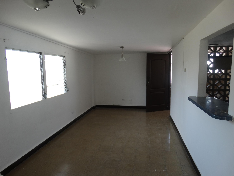 Apartamento En Alquiler En Panama En Calidonia - Código: 20-3422