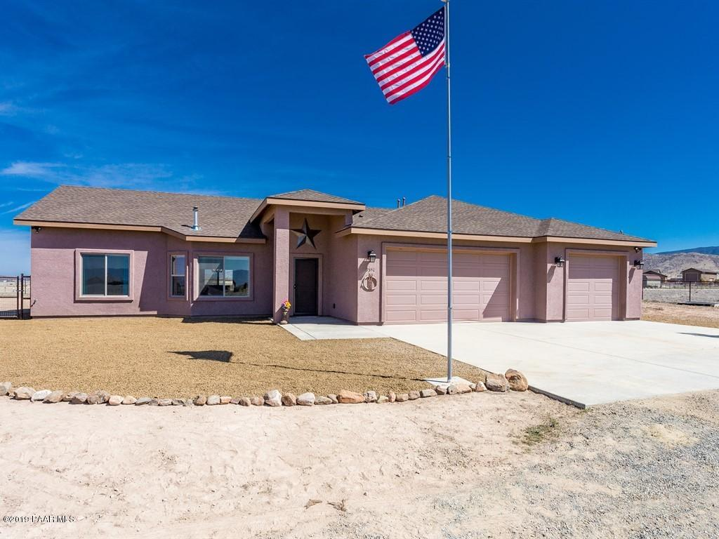 One of Prescott Valley 3 Bedroom Homes for Sale at 9380 E Great Dane Drive