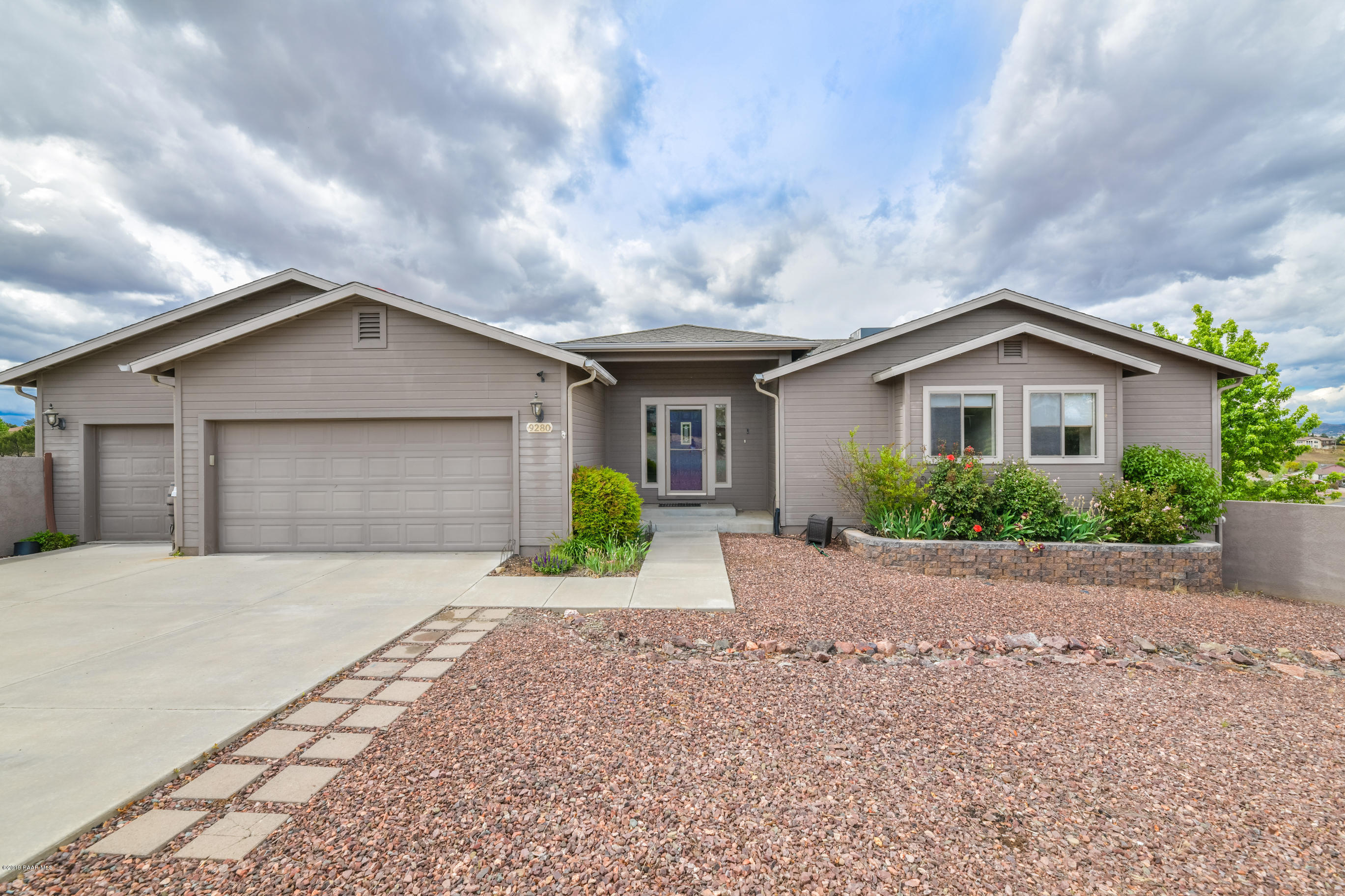 9280 E Cholla Lane, Prescott Valley, Arizona