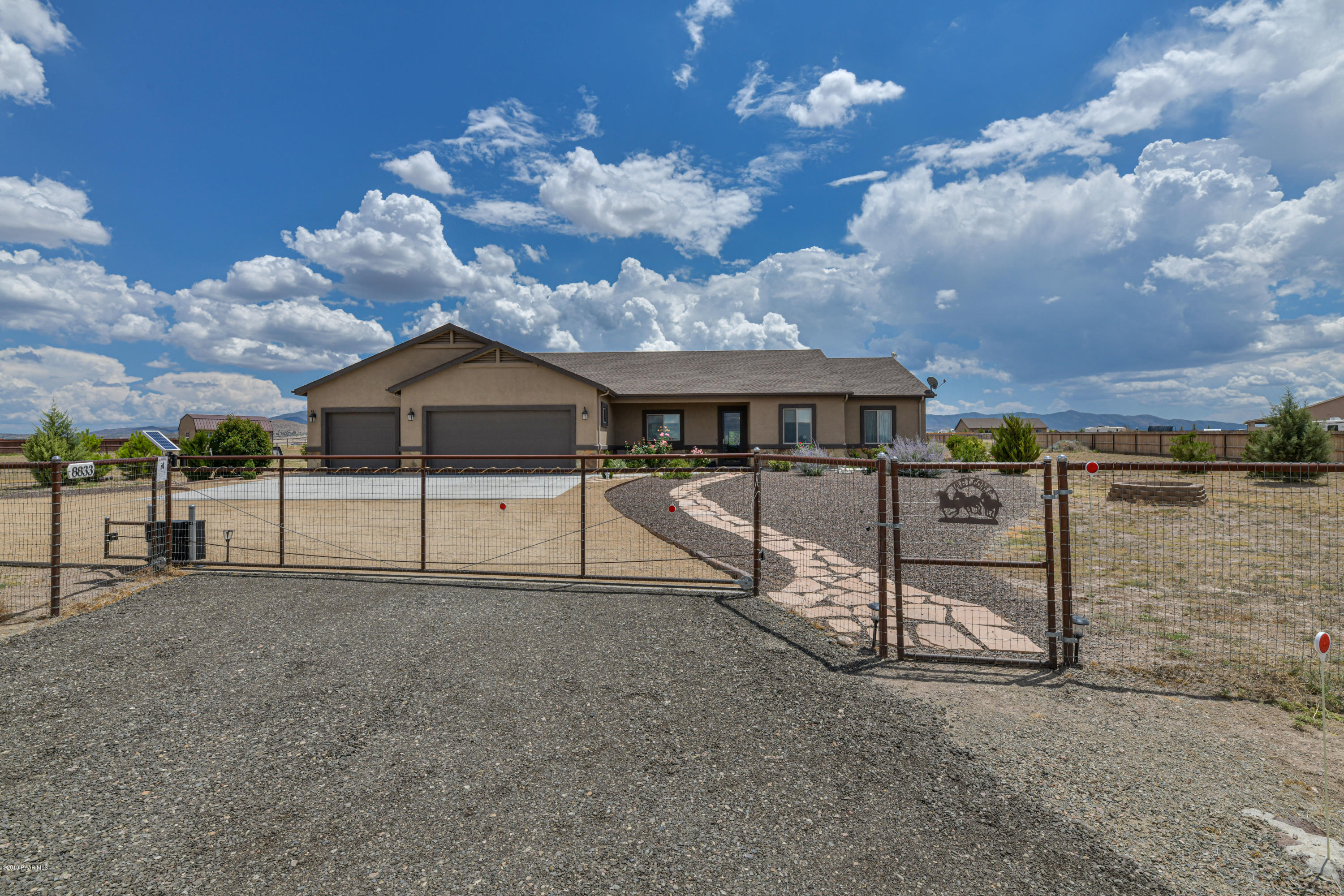 8833  Grass Valley Lane, Prescott Valley, Arizona