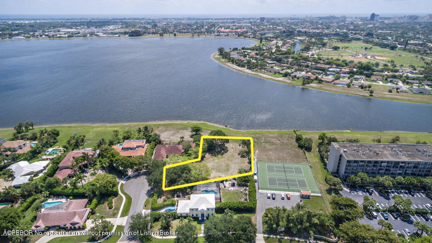 10 Sunningdale Circle - West Palm Beach, Florida