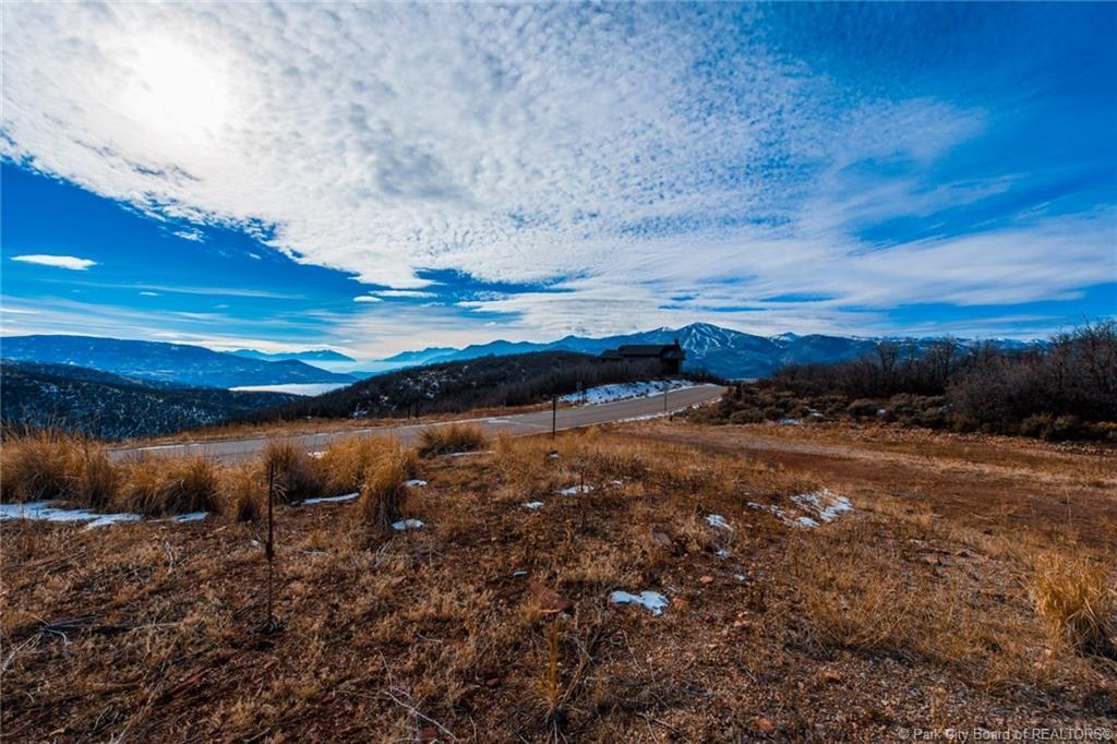 1313 E Lasso Trail