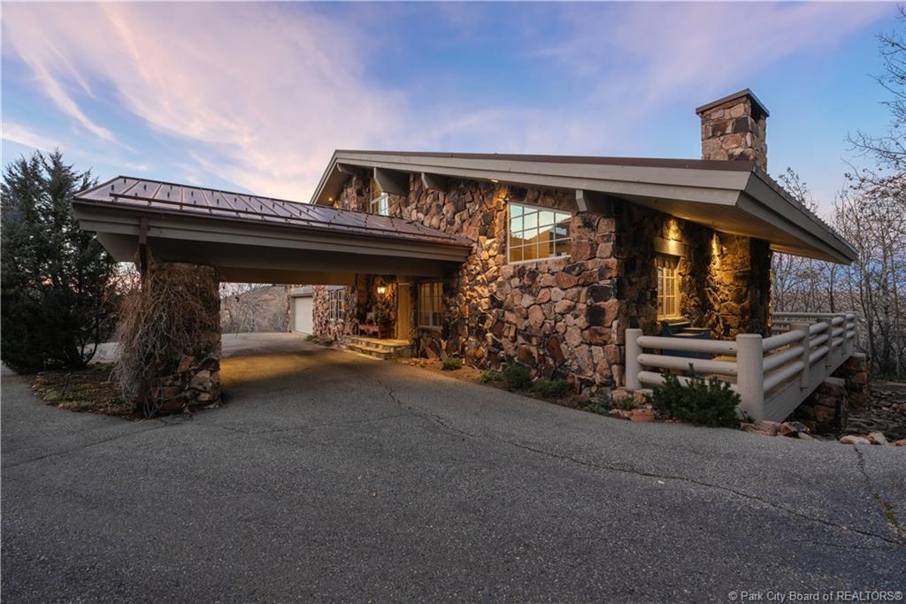 2515  Aspen Springs Drive