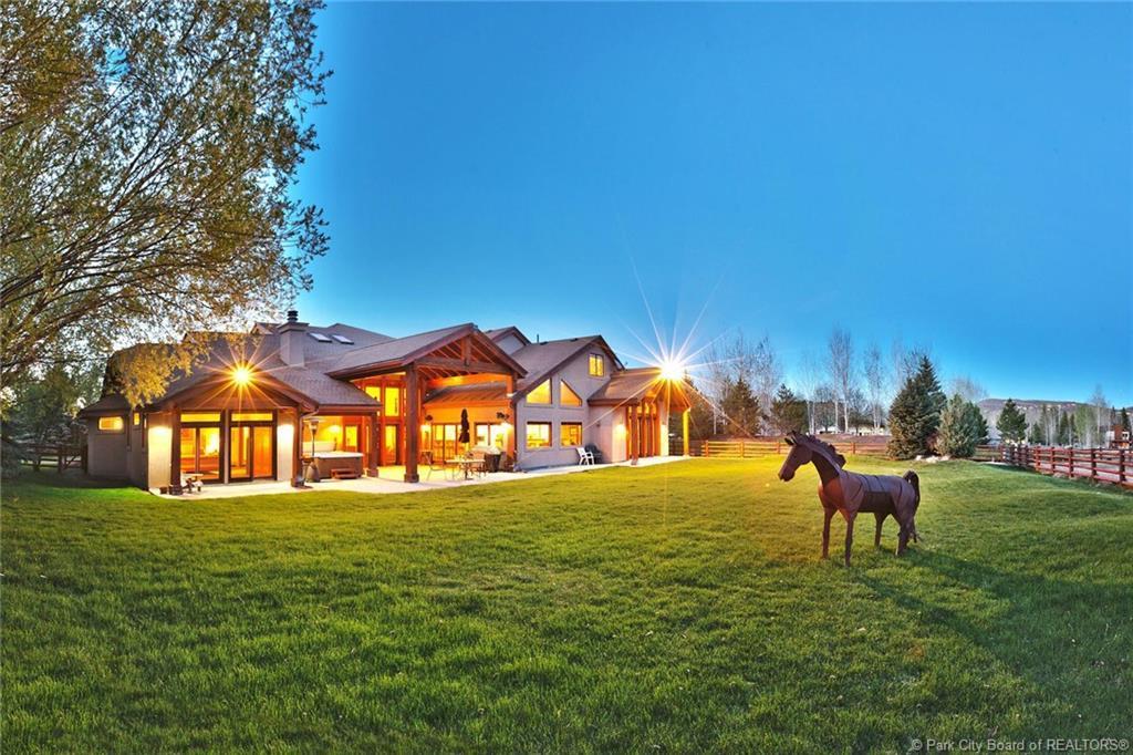 2440  Holiday Ranch Loop