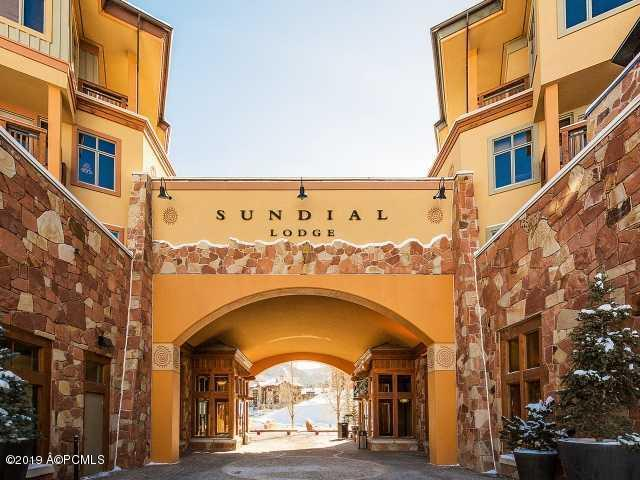 3720 N Sundial Court