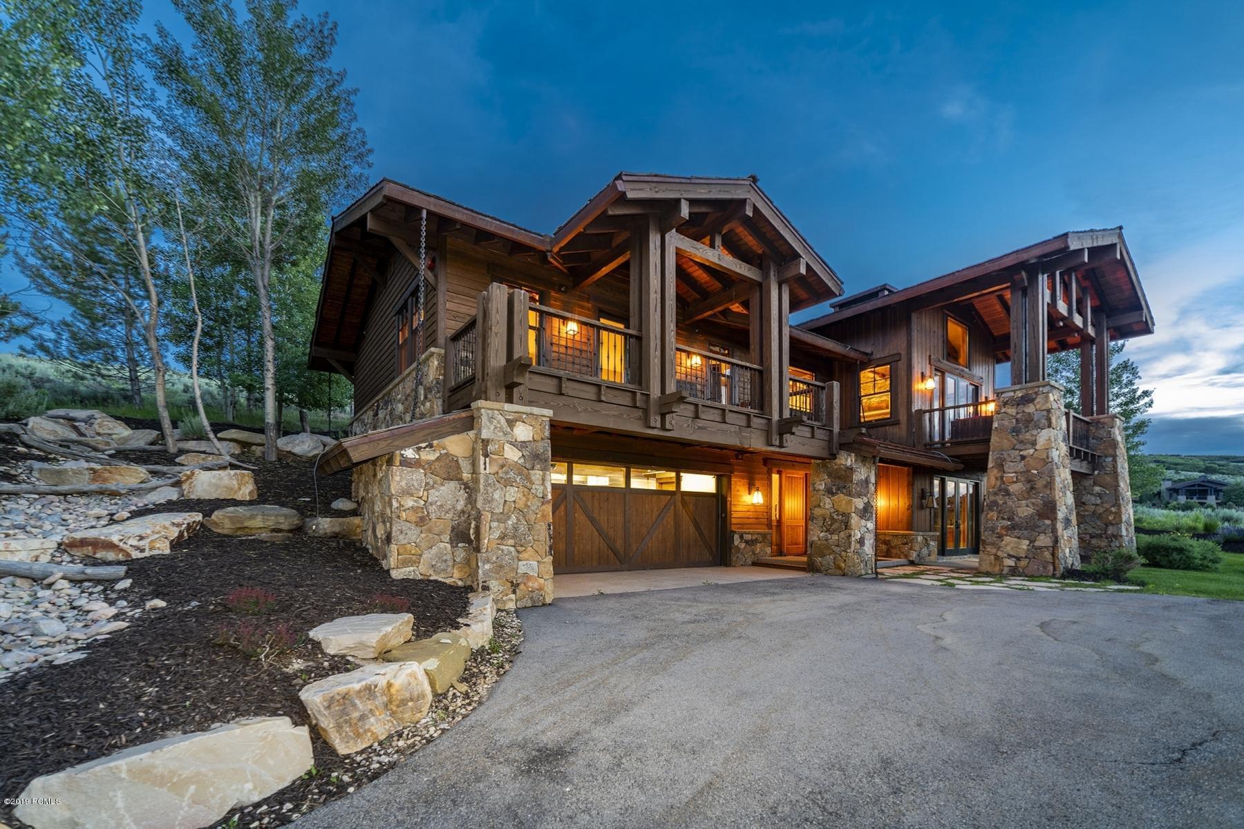 9215 N Twin Peaks Drive