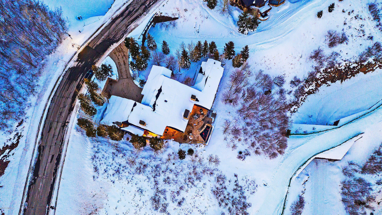 9925 N Summit View Drive