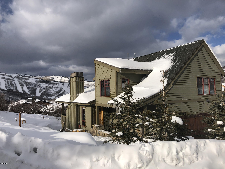 1524  April Mountain Drive