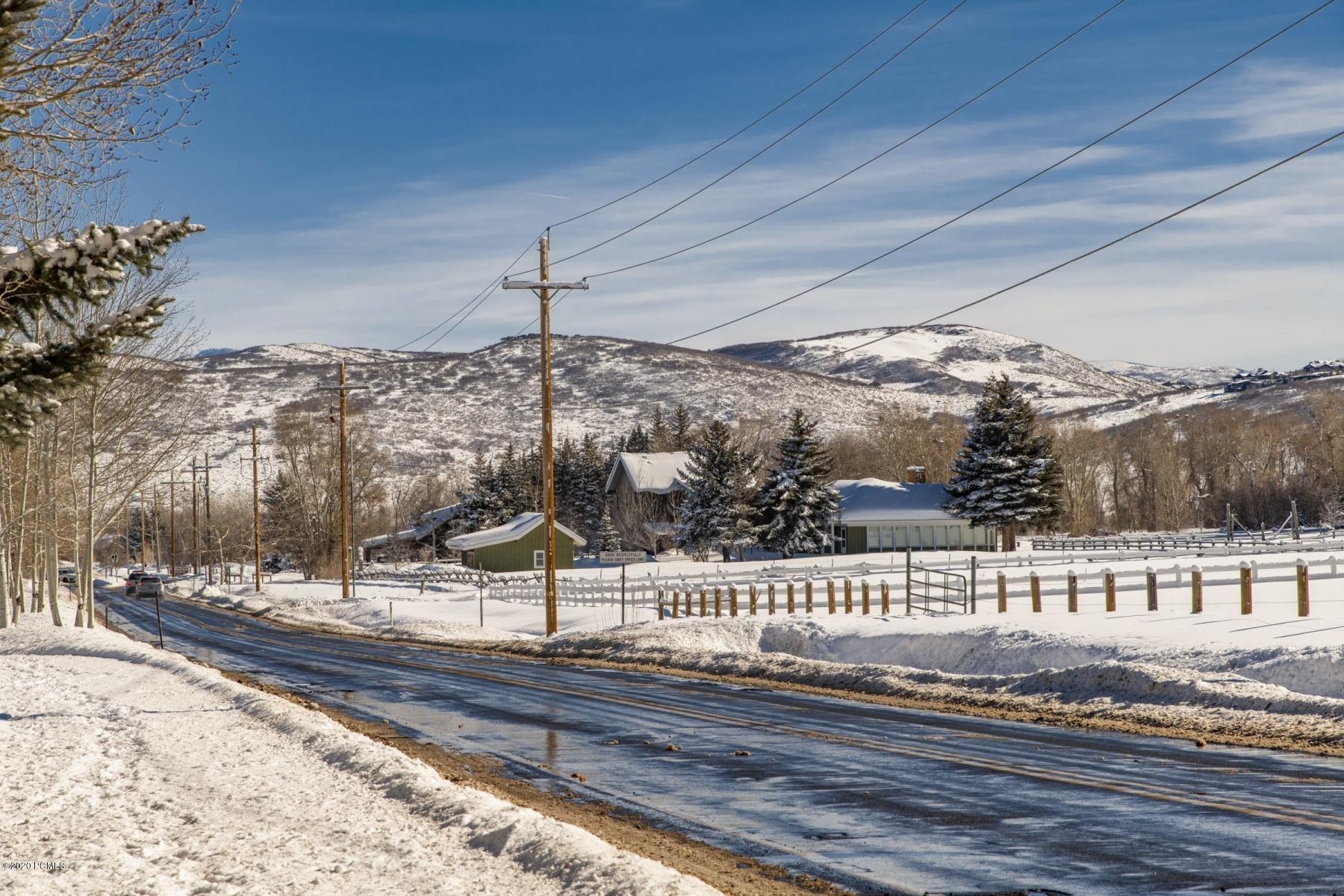 4360 N Willow Creek Drive