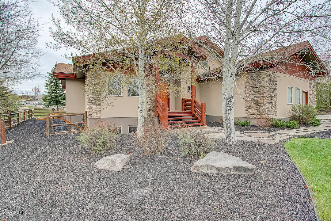 5876  Trailside Loop