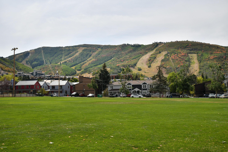 1150  Deer Valley Drive