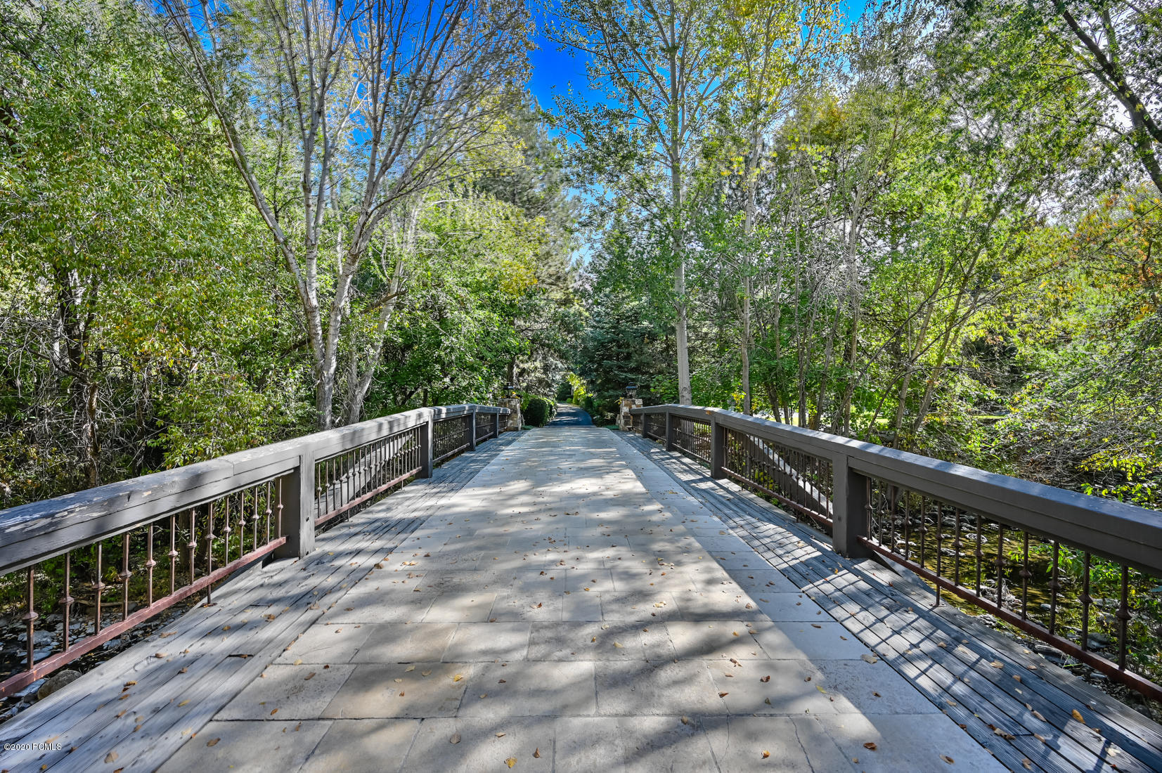 2750 E Creek Crossing Lane