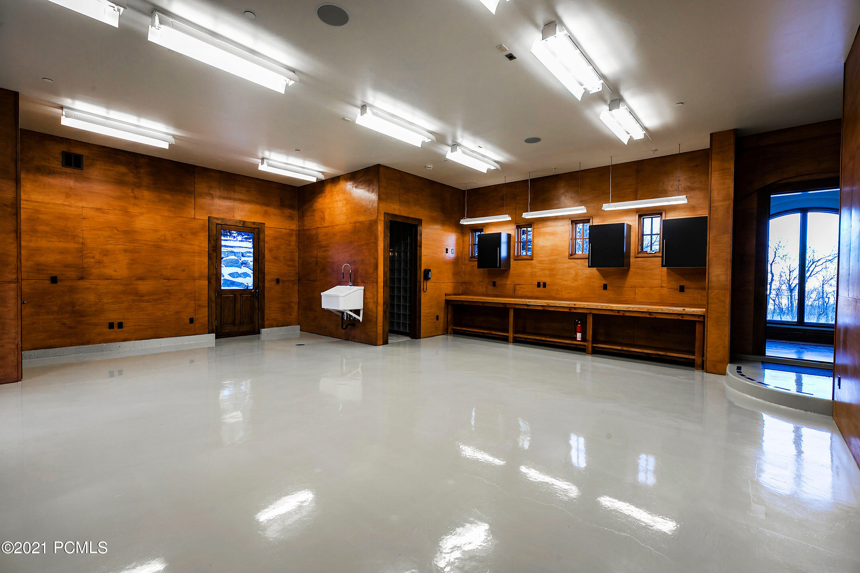 8066 N Red Fox Court