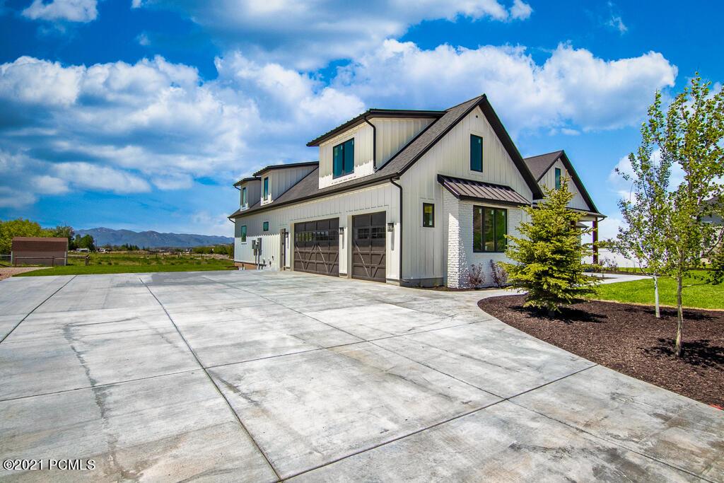 3146 S Rock View Drive