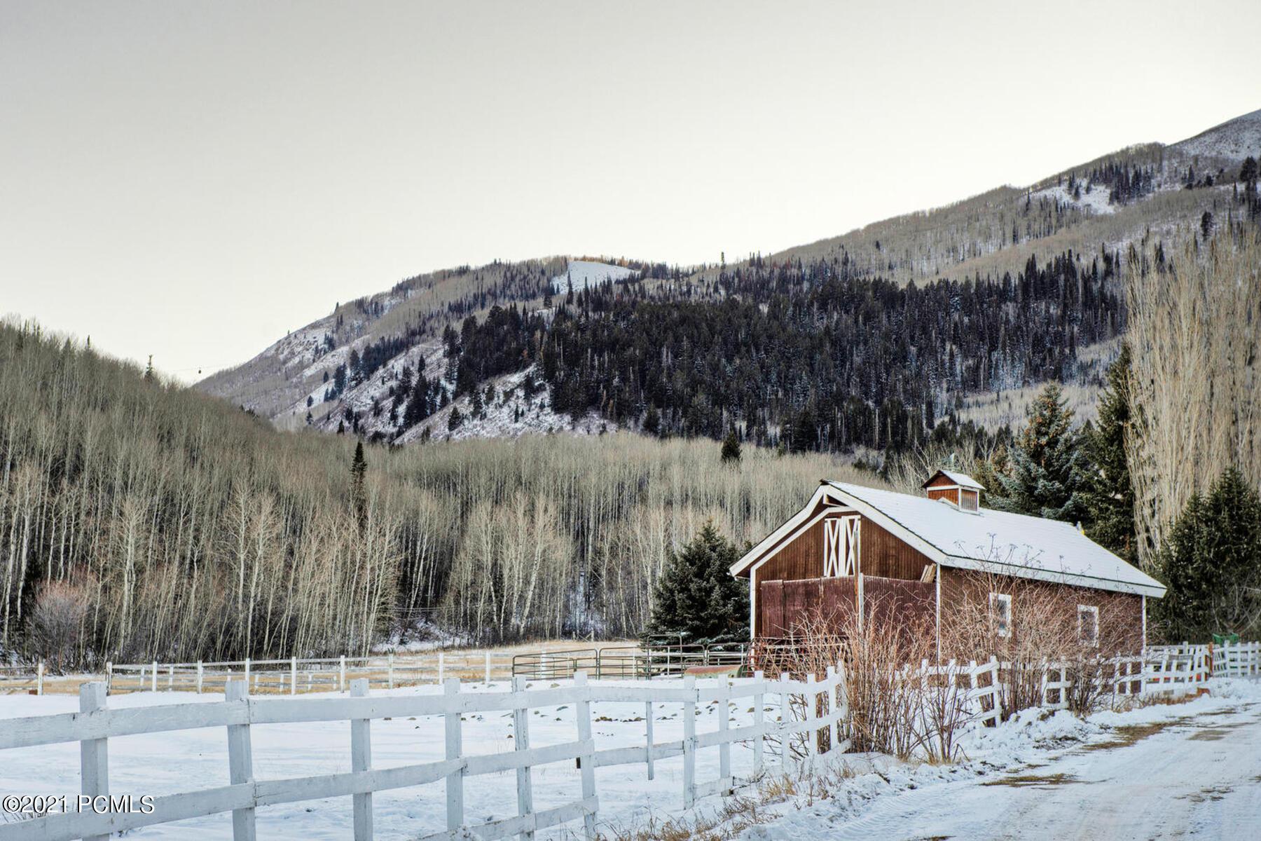 320 W Snows Lane