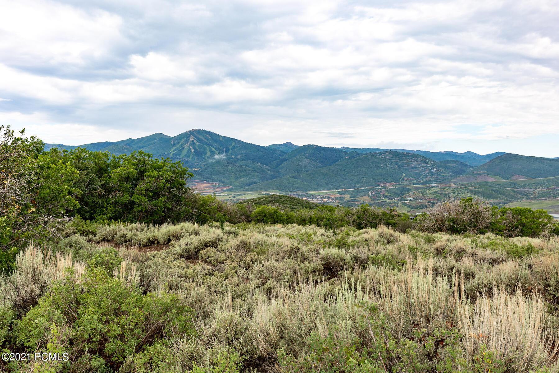 1285 E Lasso Trail