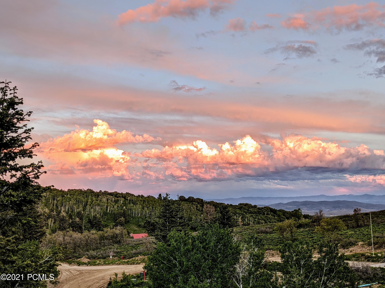 2421 S Navajo Drive