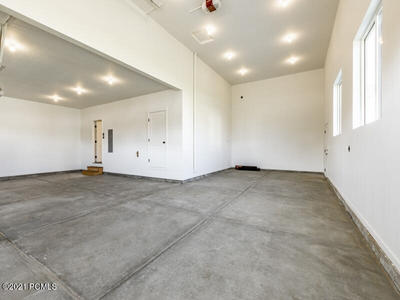 862 W Hilltop Court