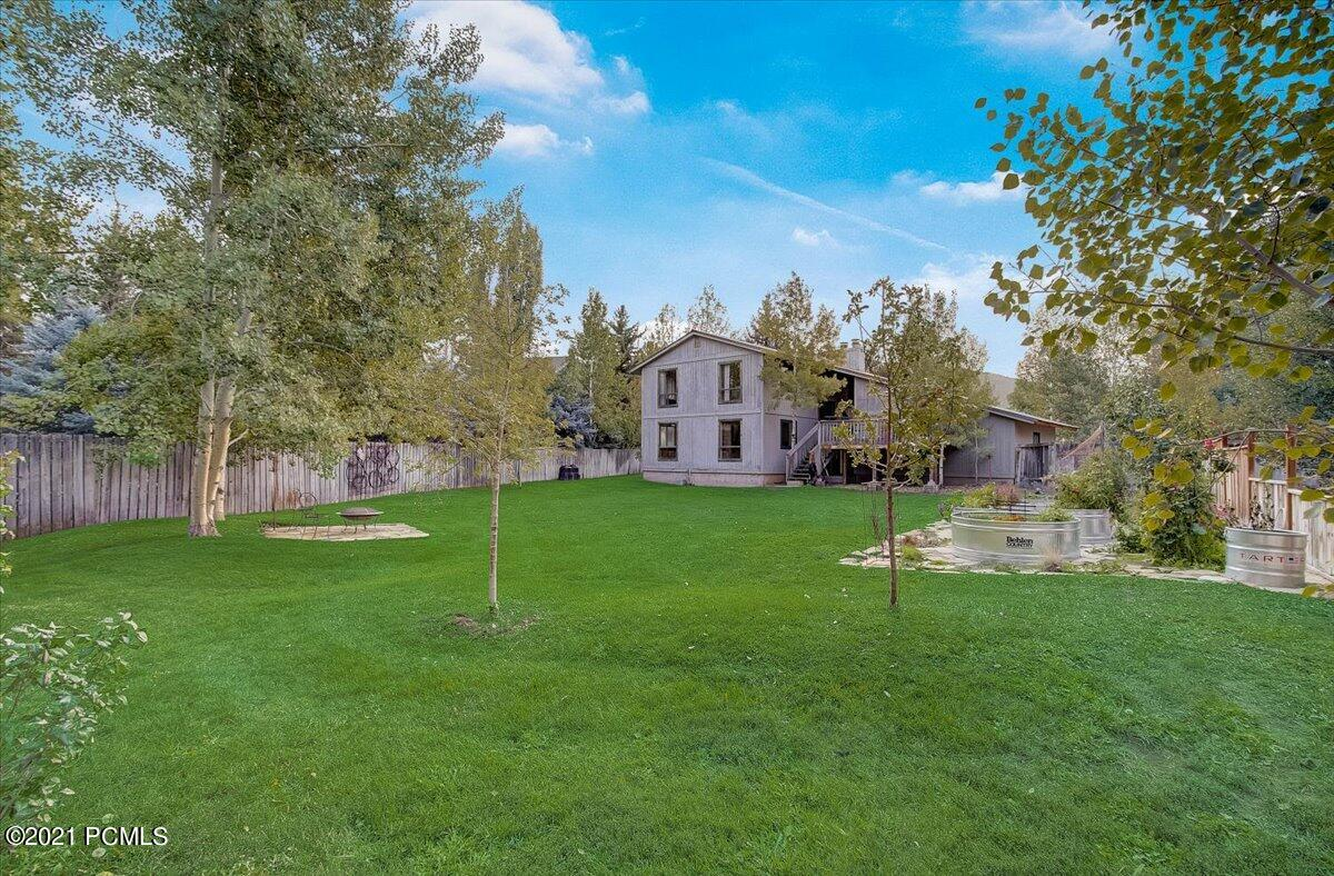 2866  Holiday Ranch Loop Road