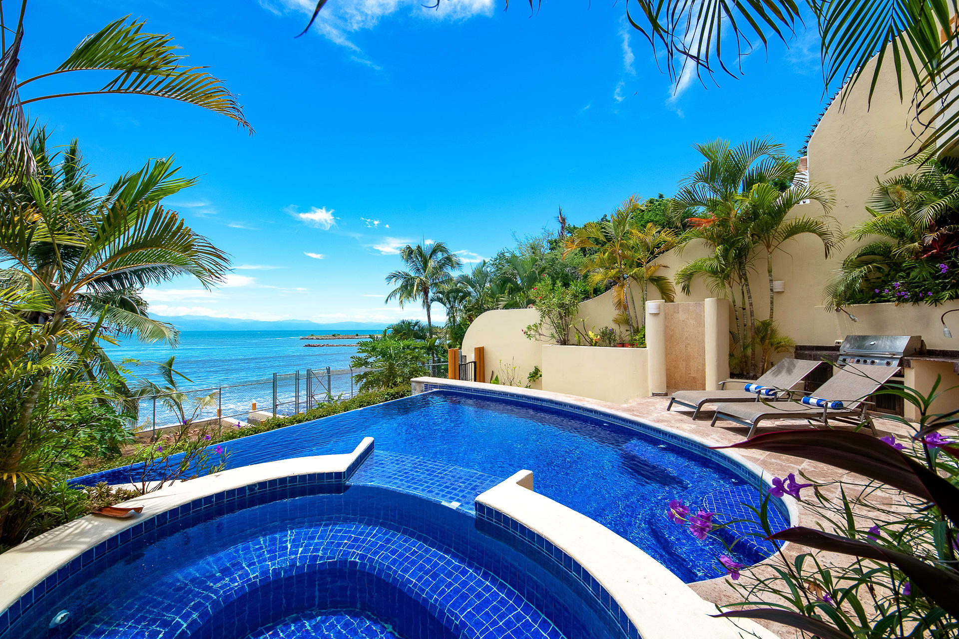 La Cruz de Huanacaxtle, 4 Bedrooms Bedrooms, ,5 BathroomsBathrooms,House,For Sale,Av. Las Palmas,16403