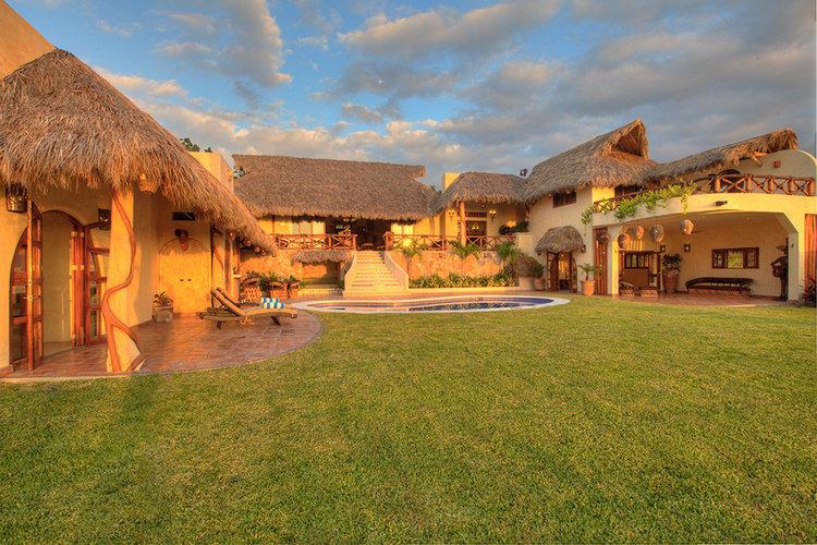 Lo de Marcos, 4 Bedrooms Bedrooms, ,6 BathroomsBathrooms,House,For Sale,Calle Mango - Rancho Escondido,16684