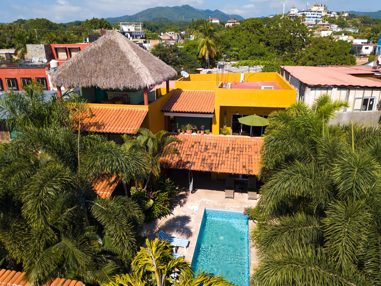 La Cruz de Huanacaxtle, 5 Bedrooms Bedrooms, ,5 BathroomsBathrooms,House,For Sale,Calle Tiburon,17142