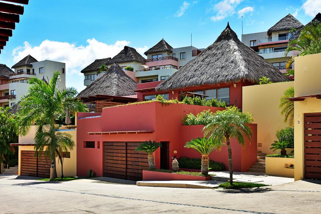 La Cruz de Huanacaxtle, 4 Bedrooms Bedrooms, ,4.5 BathroomsBathrooms,House,For Sale,PASEO DEL ARRECIFE MZ 5 VILLA,18936