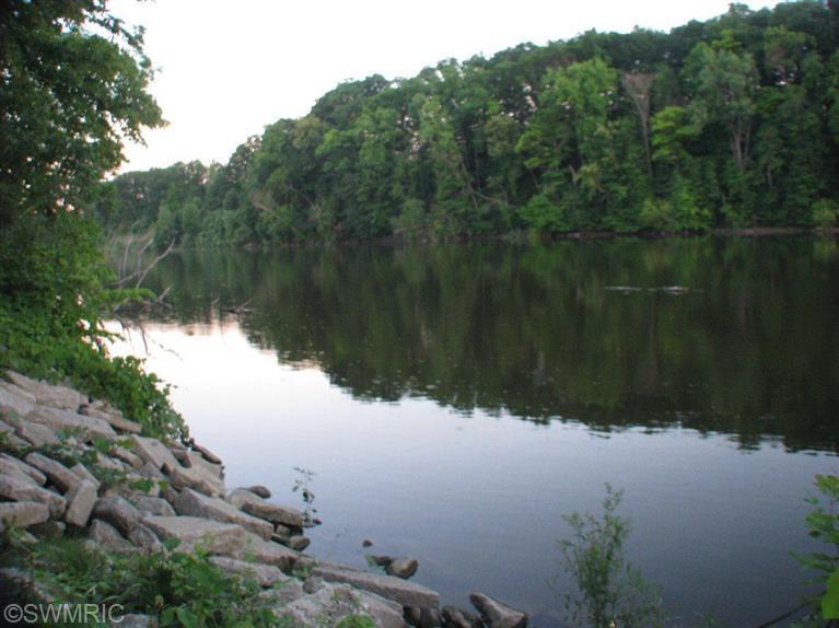 666 CYGNET LAKE Drive, Benton Harbor, Michigan 49022, ,Land,For Sale,CYGNET LAKE,14038508
