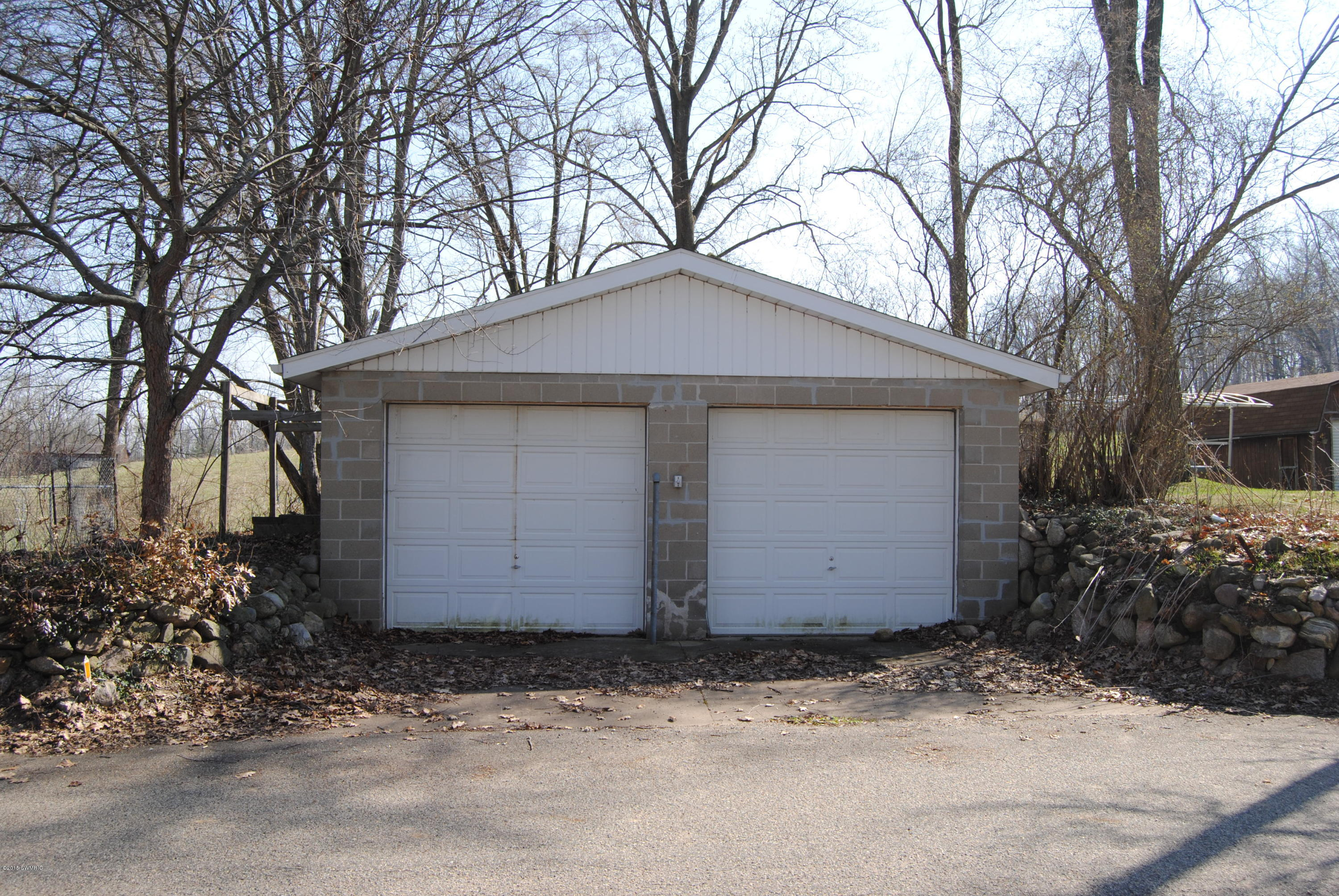 10154 Sycamore Beach , Three Rivers, MI 49093 Photo 2