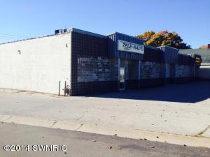 1387 E LAKETON Avenue, Muskegon, MI 49442