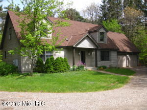 3446 Holland Street, Saugatuck, MI 49453