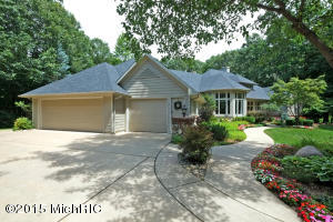 Property for sale at 6518 Whitney Woods, Richland,  MI 49083