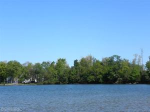 5 Lakeshore Dowagiac, MI 49047
