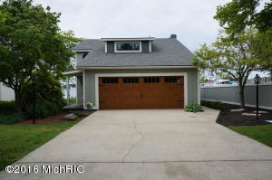 Property for sale at 1746 Waukazoo Drive, Holland,  MI 49424
