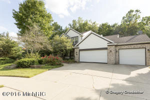 3592 Meadow Grove Drive, Kentwood, MI 49512