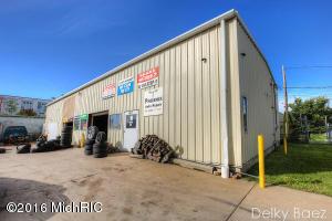 1413 Division Avenue, Grand Rapids, MI 49507