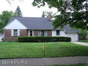 2155 ENGLEWOOD Drive, East Grand Rapids, MI 49506