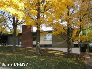 1621 BRETON Road, East Grand Rapids, MI 49506