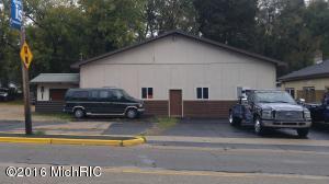 81 N State Street, Sparta, MI 49345