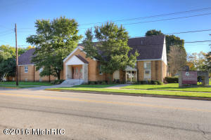 106 N Main Street, Kent City, MI 49330