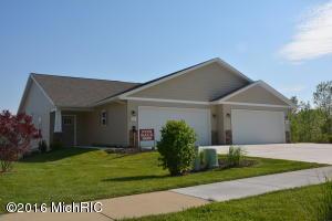 138 Homestead Acres Rd. 138, Sparta, MI 49345