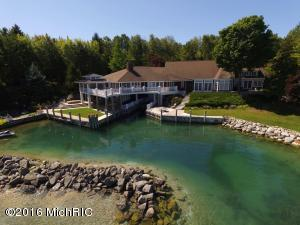 Property for sale at 785 S Wagon Wheel Drive, Northport,  MI 49670